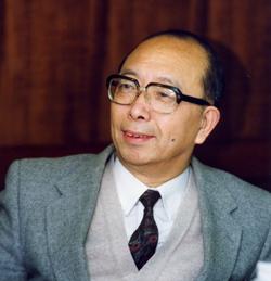胡佛院士與台灣的政治學─論超越斷代歷史與科技理性